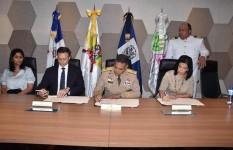 MIDE firma acuerdo para la prevención de la violencia intrafamiliar...