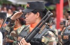 MINISTRO DE DEFENSA RESALTA EL ROL DE LA MUJER EN EL DESARROLLO DE...